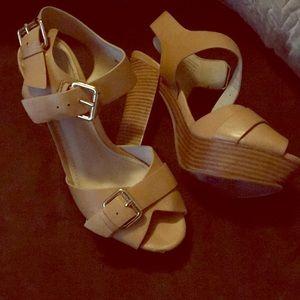 Platform tan leather heels